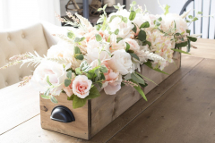 faux-florals-in-crate-centerpiece