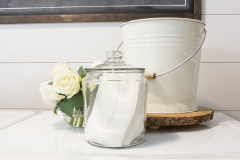 farmhouse-laundry-room-dryer-sheets-in-jar