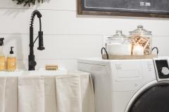 farmhouse-laundry-room-makeover