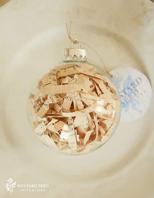 Diy project vintage sheet music ball ornaments - Boule de noel plastique a decorer ...