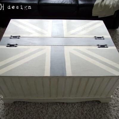DIY Union Jack Coffee Table