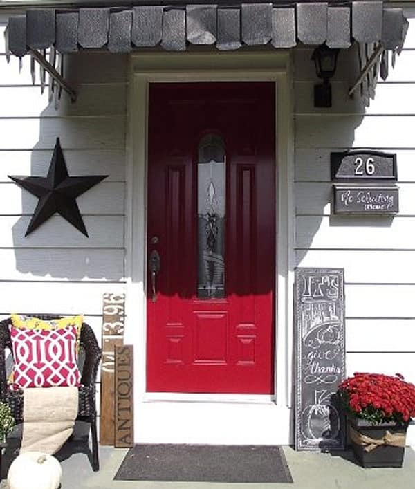 How to Create a Simple Welcoming Fall Porch