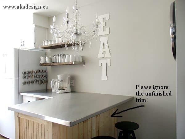 eat sign with breakfast bar
