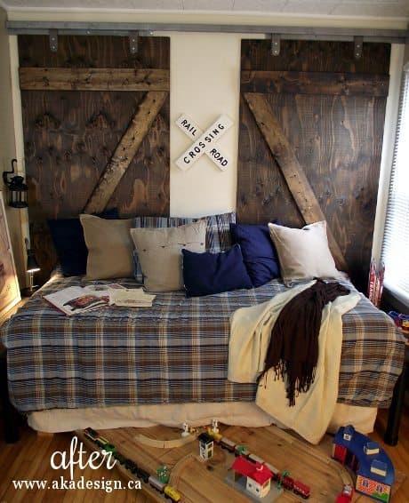 barn doors boxcar door boy bedroom