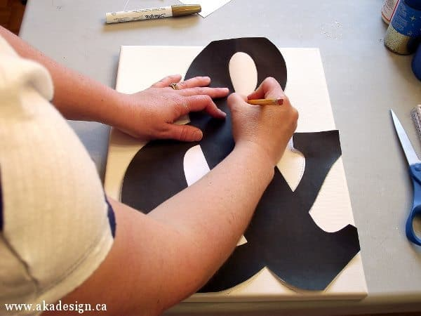 tracing ampersand