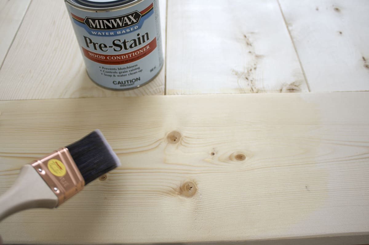 applying pre stain wood conditioner