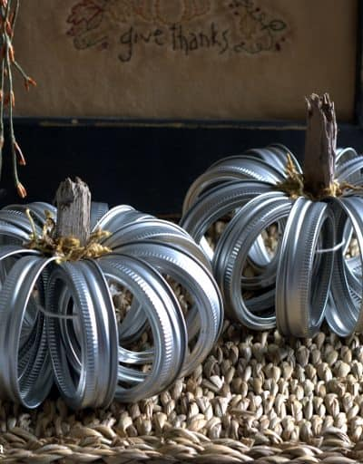 Quick Mason Jar Lid Pumpkins