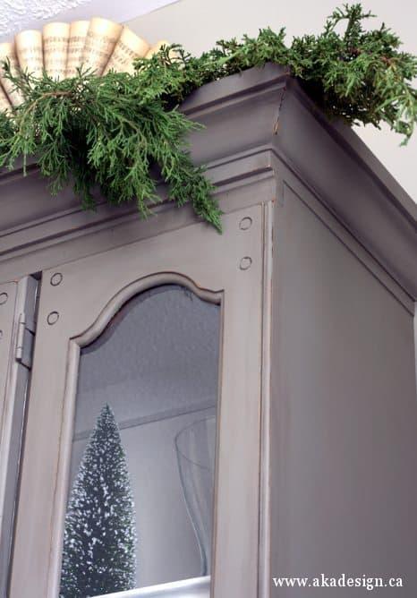 gray hutch corner detail