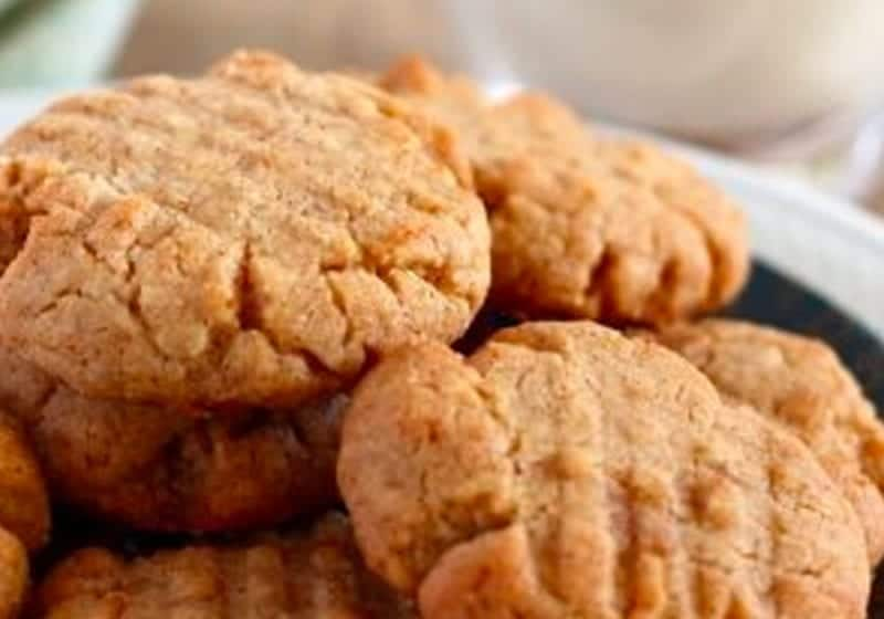 peanut butter cookies up close