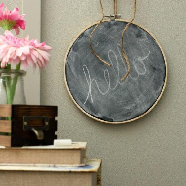 chalkboard embroidery hoop | www.akadesign.ca