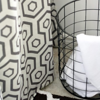 Decor Hack – Curtains as a Shower Curtain