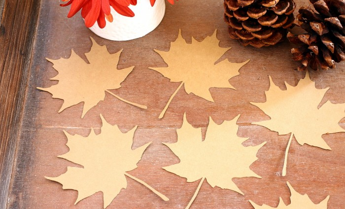 Maple Leaf Silhouette Cut Out – Kraft – Set of 5