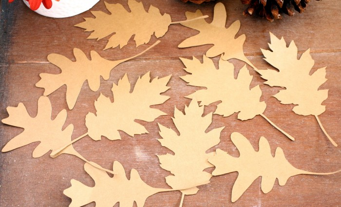 Oak Leaves Silhouette Cut Out – Kraft – Set of 5