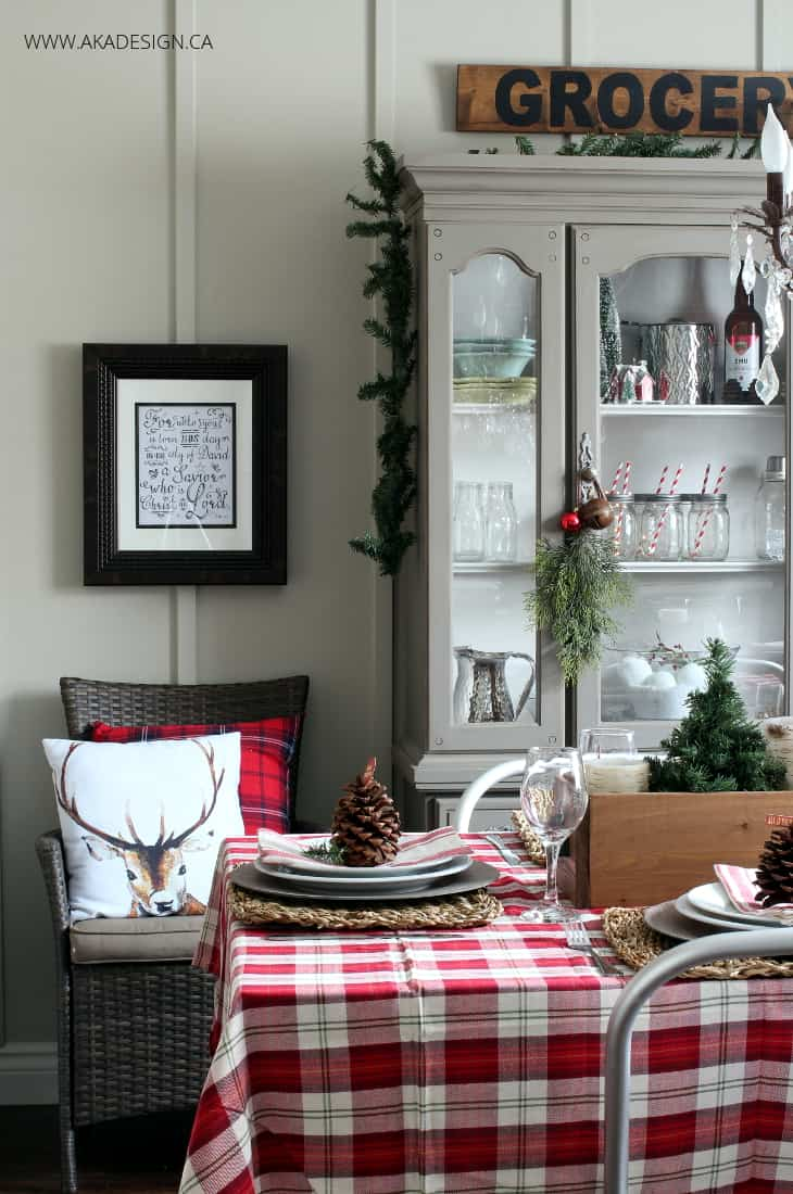 A woodland christmas dining room for Christmas dining room ideas
