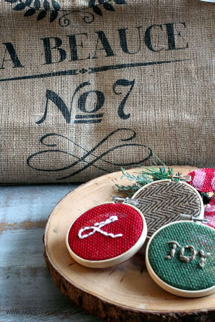 MINI EMBROIDERY HOOPS WITH BURLAP