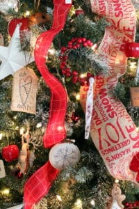 RED AND BURLAP CHRISTMAS TREE DECORATIONS
