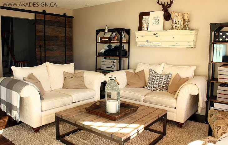 RUSTIC CREAM LIVING ROOM