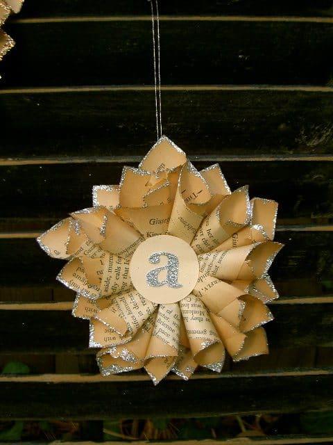 tiny paper star ornaments