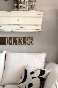CREAM COUCH MANTEL NUMBER ART