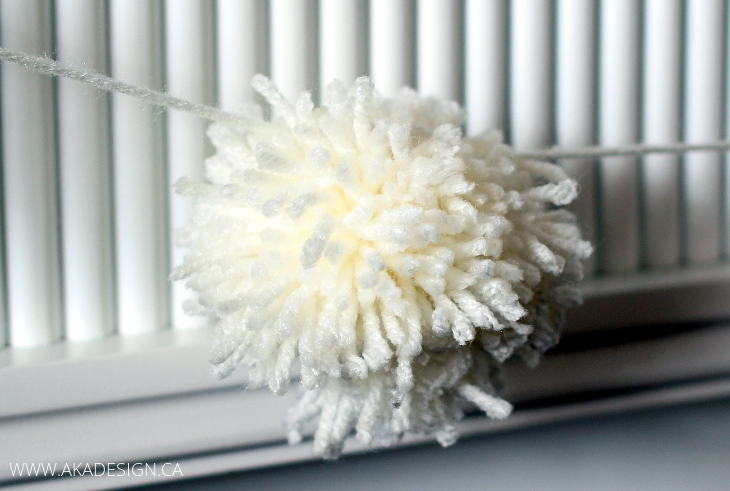easy pom-pom garland diy