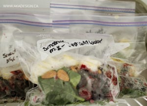 freeze smoothie ingredients in a freezer bag
