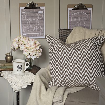 6 FREE Farmhouse Printable Art Pieces | Word Art with Rustic Wood, Arrows, Laurels