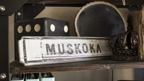Easy Painted Sign – Classic Muskoka DIY Sign Made with a Paint Marker!