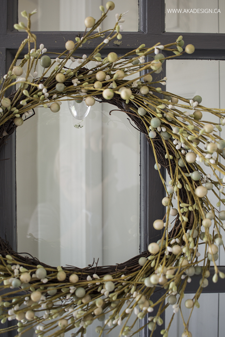 3M Command Large Clear Window Hook and wreath