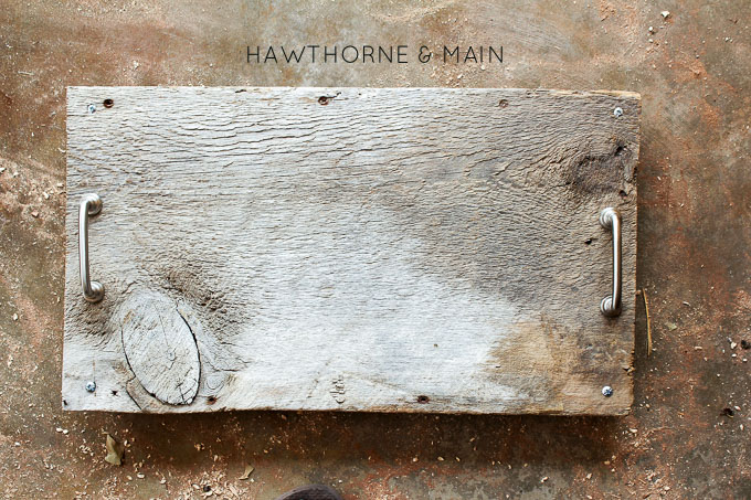 barn+wood+serving+tray+with+haredware 4