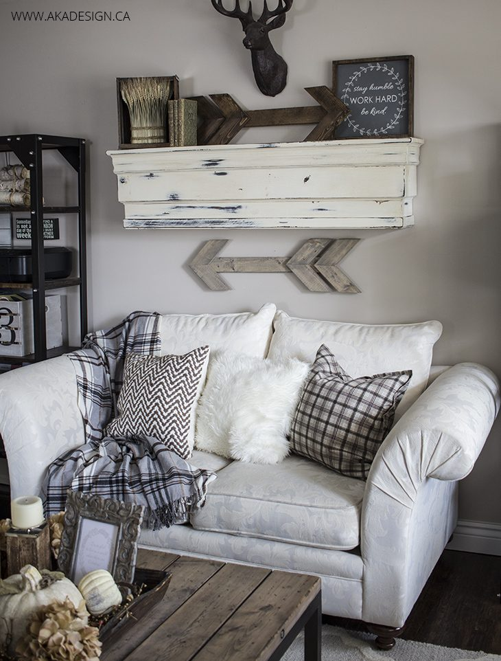 Rustic wooden arrows and signs williamraedesigns Over the sofa wall decor ideas