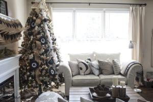 AKA DESIGN Christmas living room1