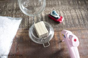 glue base to lid