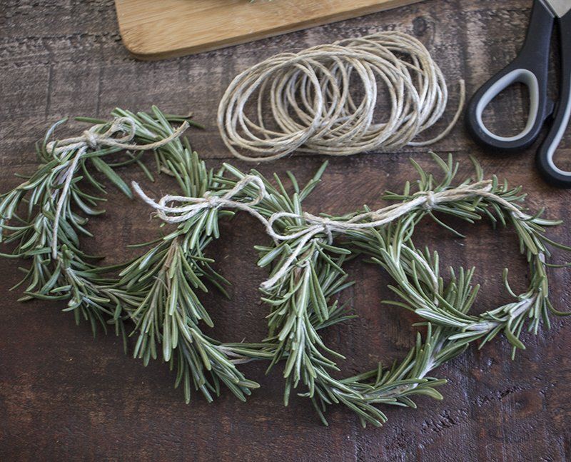 AKA Design Rosemary Wreath Place Cards BLOG PIC