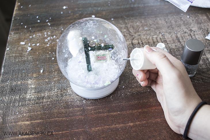 nail polish snow flakes