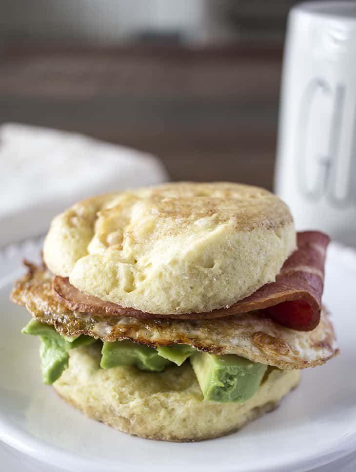 how to make a english muffin breakfast sandwich