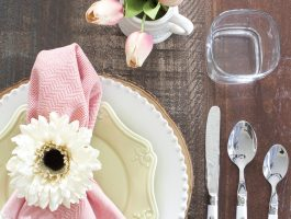 Pink and mint easter table setting
