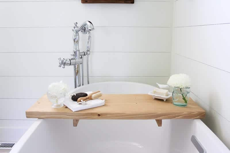 DIY Bathtub Tray   www.makingitinthemountains.com