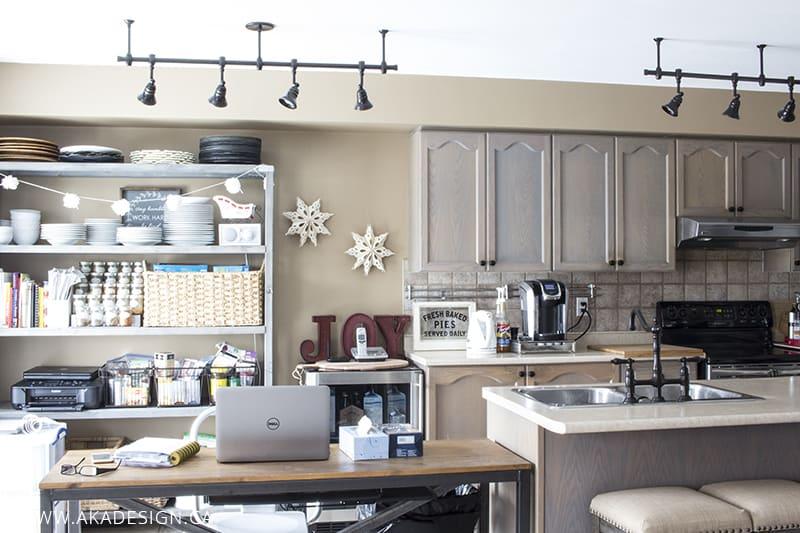 kitchen-chaos-pre-reno