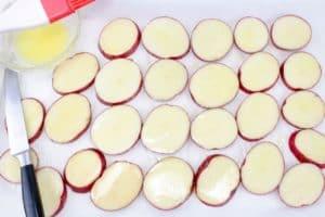 loaded-cheesy-potato-slices-step-1