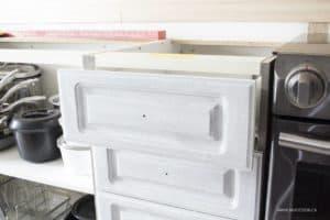 Zinsser BIN 2 primer on kitchen drawers