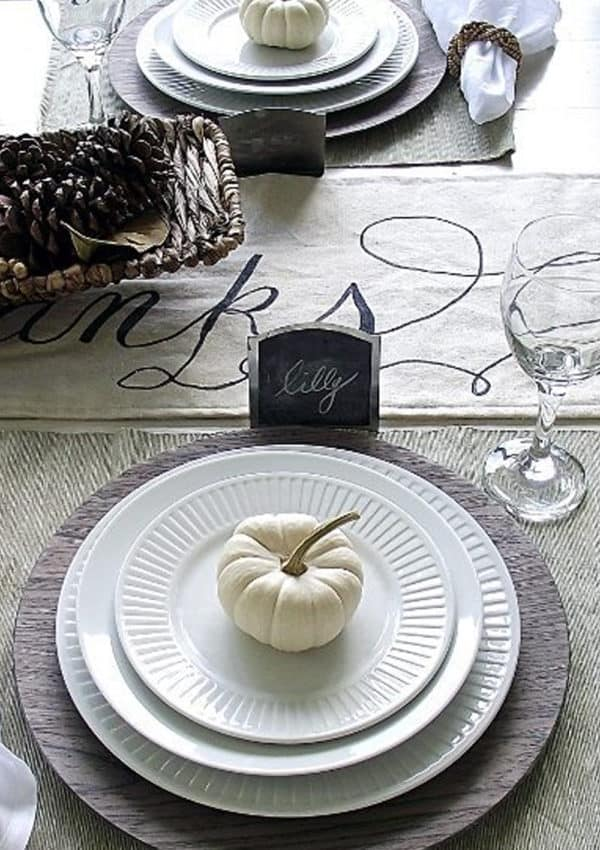 Fall Table Decorations – 5 Ideas for A Simple Layered Fall Table