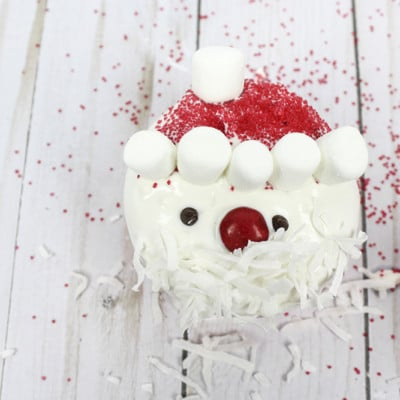 Easy Santa Cupcakes – Use a box mix & make them gluten free!