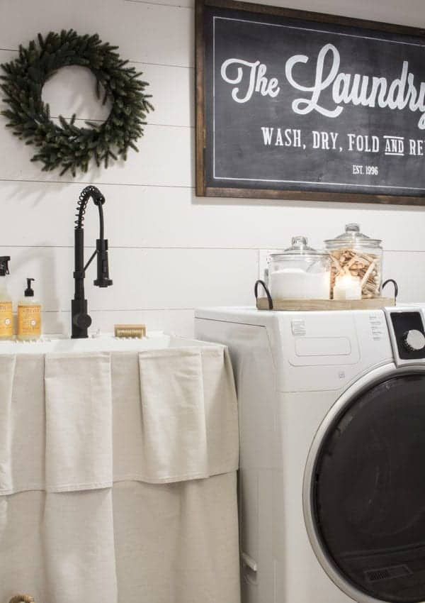 Farmhouse Laundry Room Makeover