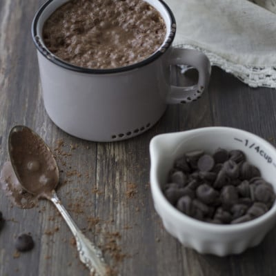Coconut Rum Hot Cocoa – Warm Up Your Winter Evenings!