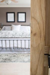 barn-door-wood-detail