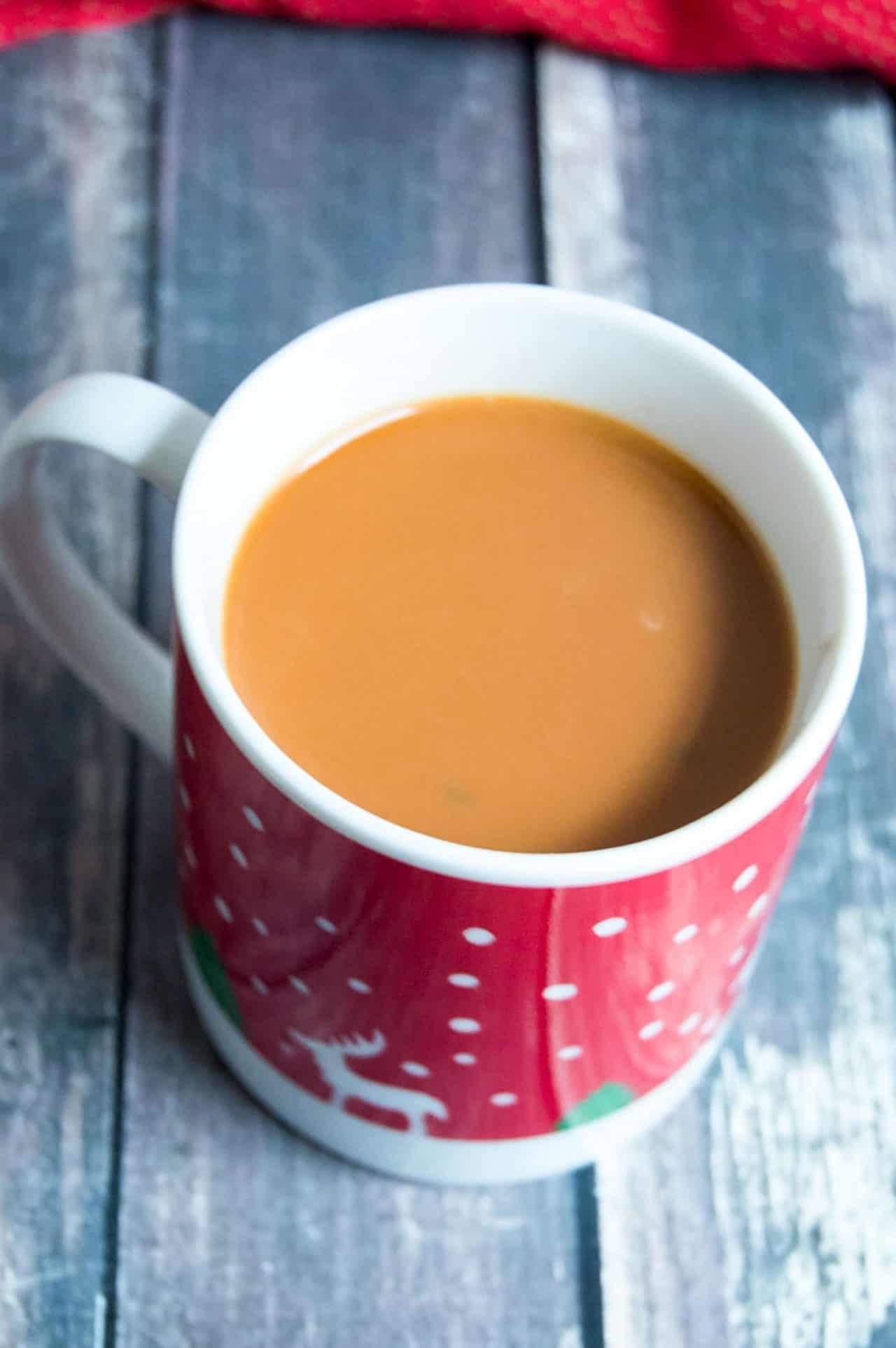 butterscotch-hot-chocolate-in-a-mug
