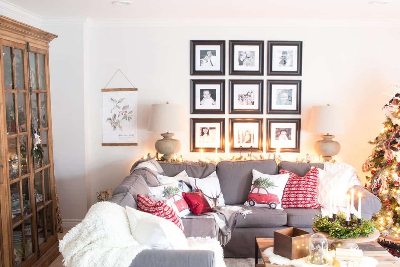 farmhouse-country-christmas-living-room