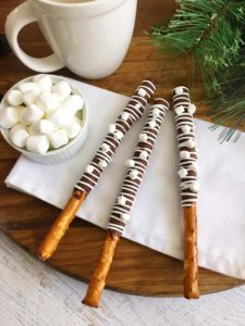 hot-chocolate-pretzel-rods