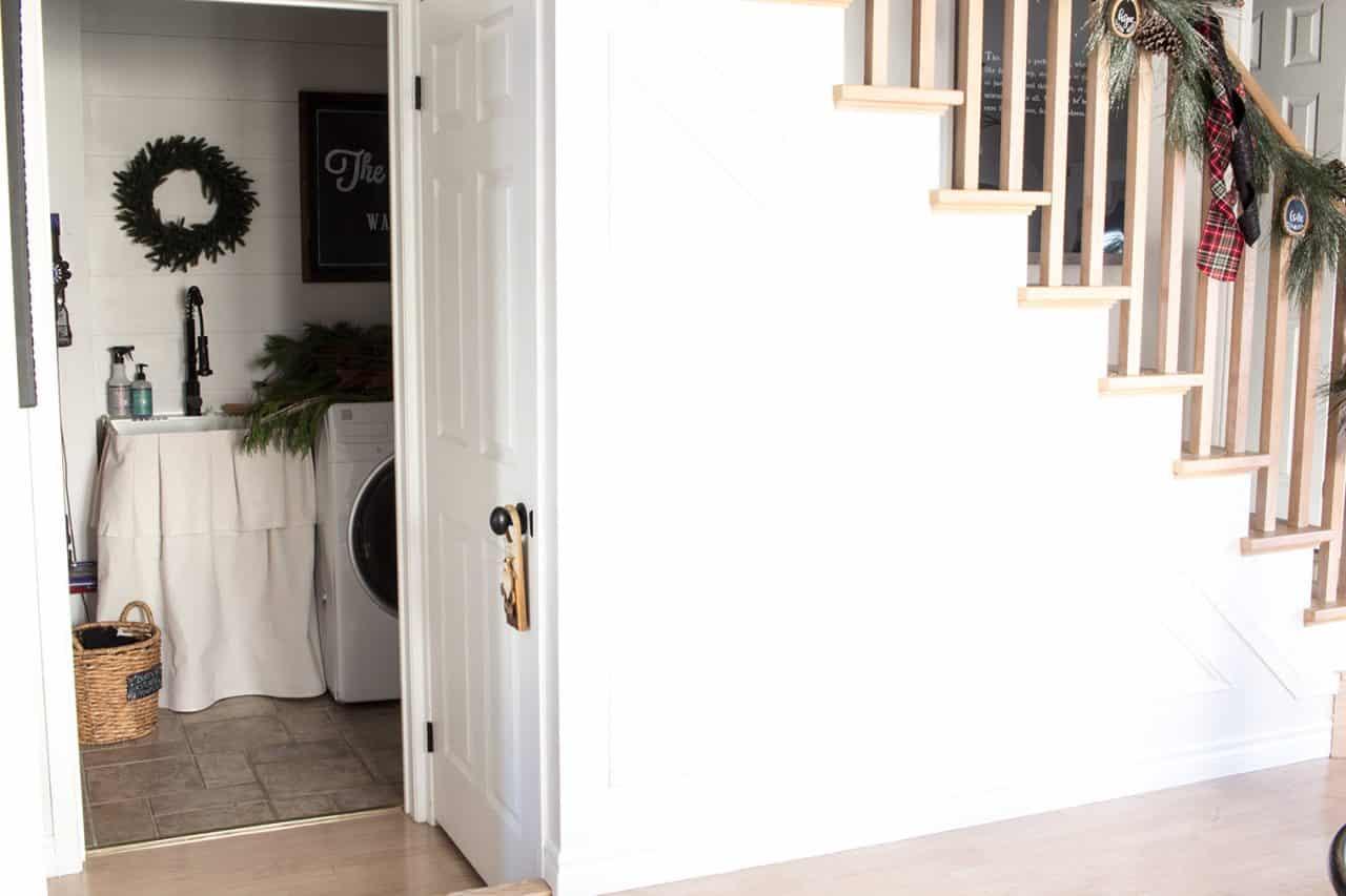 laundry-room-peek
