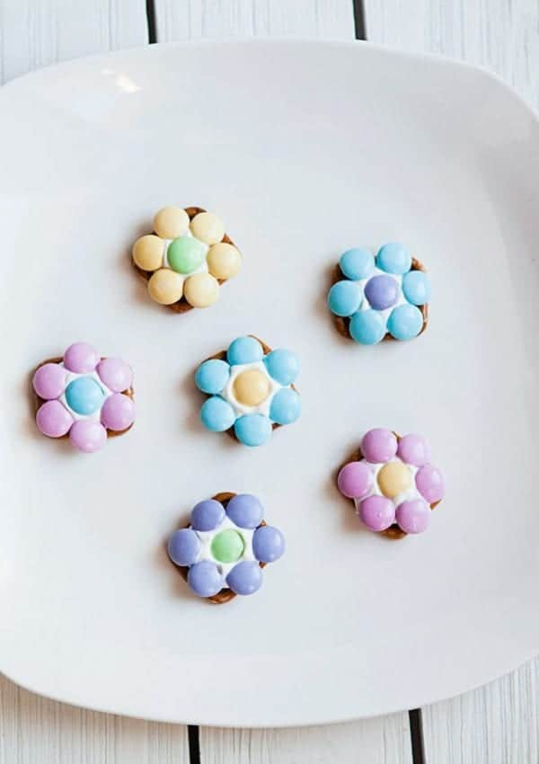 Flower Pretzel Bites  – A Fun Spring Snack Idea
